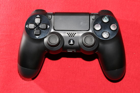 DualShock pro Sony PlayStation 4 – gamepad, joysticky, touchpad